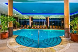 balneo-hotel-wellness-medence-1.jpg